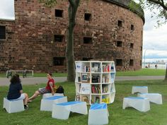Pop-up library on Governors Island - Upper New York Bay http://www.theuniproject.org/
