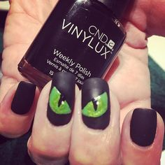 72 distinctive halloween inspired nail art ideas to complement 72 distinctive halloween inspired nail art ideas to complement spooky costumes creepy makeup and halloween 2017 solutioingenieria Choice Image