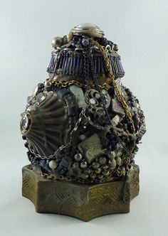 """""""Lamp"""" sculpture made of found objects, has internal light to see the tiny """"forest"""" inside Sculptures, Rocks, Objects, Gemstones, Cool Stuff, Art, Art Background, Kunst, Sculpting"""
