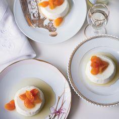 Greek Yogurt Panna Cotta with Honey-Glazed Apricots Recipe - Kate Neumann Greek Desserts, Greek Yogurt Recipes, Desserts To Make, Easter Desserts, Delicious Desserts, Yummy Food, Cannoli, Flan, Mousse