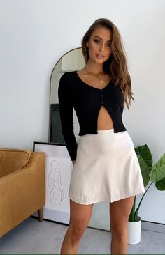 Alyiah Mini Skirt Gold Print - The Alyiah Mini Skirt is the wardrobe basic you never knew you needed. It's satin finish and fine - Sexy Outfits, Summer Outfits Women, Sexy Dresses, Dress Outfits, Fashion Dresses, Cute Outfits, Mini Skirt Outfits, A Line Mini Skirt, Pleated Mini Skirt