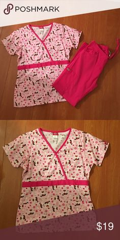 Dickies scrubs set Top size xs, pants size xsp. Pants NWOT, top in excellent condition. Dickies Tops Tees - Short Sleeve