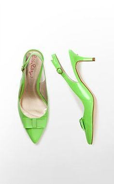 Kat Kitten Heel - Lilly Pulitzer I saw these in pink! Bow Heels, Nude Heels, Green Wedges, Kitten Heel Shoes, Wedge Flip Flops, Beautiful Shoes, Lilly Pulitzer, Christian Louboutin, Shoe Closet