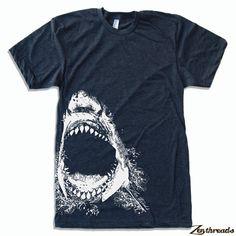 Vêtements american Mens SHARK T Shirt S M L XL 16 par ZenThreads