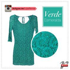 Verde Esmeralda é a cor de 2013! Olhem que graça esse vestido da Renner? Adoramos!