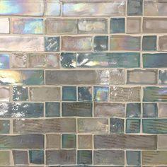 Glass Backsplash Kitchen, Glass Tile Bathroom, Bathtub Tile, Backsplash Tile, Backsplash Ideas, Tile Ideas, Kitchen Countertops, Kitchen Island, Mosaic Wall Tiles