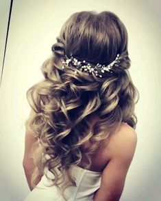 Bridal hair vine comb Pearl hair clip bridal hair piece Baroque pearl earrings Wedding hair vine Bridal headpiece vine                       The length of the wedding hair vine made from freshwater pearls in the photo is 8 inches (20.3 cm).