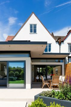 Designed an extension at ground level and fully refurbished property to a high standard, maximising space. Bungalow Extensions, Garden Room Extensions, House Extensions, House Extension Design, Roof Extension, Extension Designs, Extension Ideas, Cantilever Architecture, Single Storey Extension