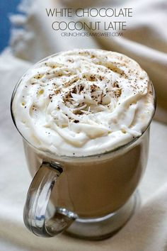 White Chocolate Coconut Latte – sweet and creamy hot latte that turns a cold, winter day into a sweet bliss! Stay warm at home and make this latte in minutes! Yummy Drinks, Yummy Food, Chocolates, Coffee Creamer Recipe, Latte Recipe, Cocktails, Chocolate Cups, Chocolate Lasagne, Smoothie Drinks