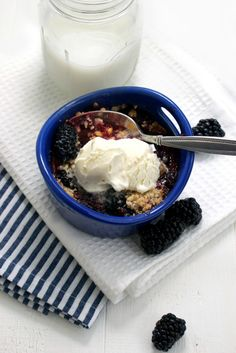 Mini Blackberry Crumbles @mfeedmeimhungry
