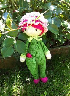 Rose Roxy flower doll made by Anne J F - crochet pattern by Zabbez