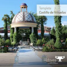 Celebrar una boda civil en el templete del Castillo de Viñuelas Eventos, bajo un sol espléndido y rodeados de naturaleza tiene su encanto, ¿verdad? :) #bodasconestilo #espaciosparaeventos www.aldoveacatering.com