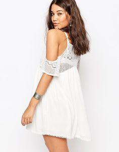 Missguided Cold Shoulder Lace Dress