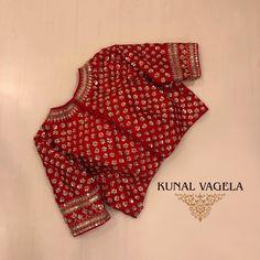 Red handcrafted saree with dupatta by Kunal Vagela The Red Handcrafted Saree with Dupatta – Für Anfragen wenden Sie sich bitte an oder per E-Mail an kunalvageladesign … Kurta Designs, Silk Saree Blouse Designs, Fancy Blouse Designs, Bridal Blouse Designs, Red Blouse Saree, Blouse Neck, Saris, Sari Bluse, Anarkali
