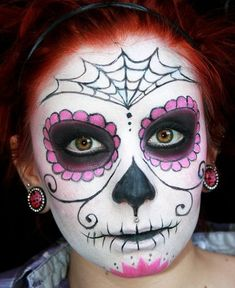 Calavera Makeup Sugar Skull Ideas for Women are hot Halloween makeup look.Sugar Skulls, Día de los Muertos celebrates the skull images and Calavera created exactly in this style for Halloween. Yeux Halloween, Halloween Makeup Sugar Skull, Halloween Makeup Looks, Halloween Skull, Candy Skull Makeup, Sugar Skull Makeup Tutorial, Vintage Halloween, Halloween Costumes, Sugar Skull Makeup Easy