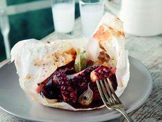 Χταπόδι τραγανό με μπαλσάμικο και μέλιΤρομερό πιάτο με χταπόδι που πρέπει να δοκιμάσετε