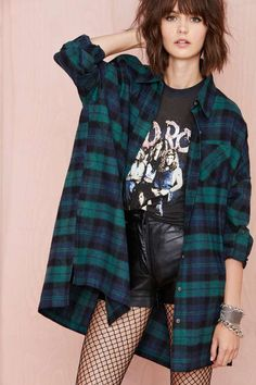We're into all things grunge-inspired, so this oversized flannel shirt is about to be put into heavy rotation.