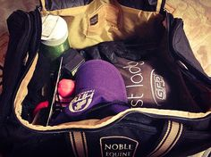 AA Show circuit rider, Grace Clumpner, loves packing up her 5.2Hands Duffel for her next hunter jumper show!  Find out all the goodies she stows in her bag on Noble Life!