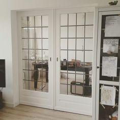 Yaay! De schuifdeuren zijn zo goed als af! Ik plaatste een update op www.zomijntje.nl kom je kijken?! Fijne dag nog en liefs, Mijntje. #interieur #blogger #amsterdam #deuren #schuifdeuren #lifestyle