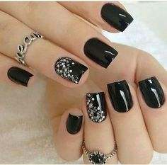 80 incredible black nail art designs for women and girls .- 80 incredible black nail art designs for women and girls - Black Nails With Glitter, Black Coffin Nails, Black Acrylic Nails, Matte Black Nails, Black Nail Art, Pink Nails, Black Nails Short, Black And Purple Nails, Hallographic Nails
