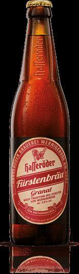 Hasseröder FÜRSTENBRÄU GRANAT - Wir schreiben das Jahr 1899. Wernigerode in einer Zeit vor unserer Zeit. Da entstand ein Bier, das die Hasseröder Brauerei mit Genehmigung des Fürsten zu Stolberg-Wernigerode braute – für den Fürsten und seine Gäste, das Hasseröder Fürstenbräu Granat. Granatrot, vollmundig und röstaromatisch mit 5,8 % Alkohol.