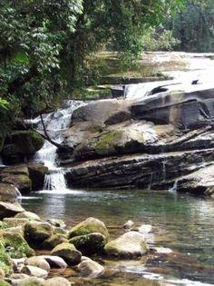 Foto de cachoeira em Guaratuba litoral do Paraná