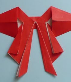 Let's create: Paper Bow Tutorial Origami Paper Folding, Origami Easy, Oragami Bow, Diy Fan, Bow Tutorial, Christmas Fun, Christmas Decorations, Holiday, Creative Gifts