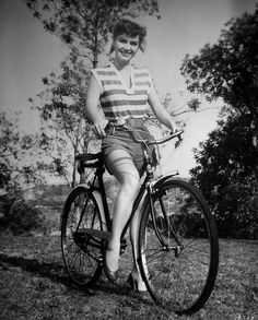 Splendid: Cycling | Many an afternoon has been spent on family bike rides | Debbie Reynolds | #splendidsummer