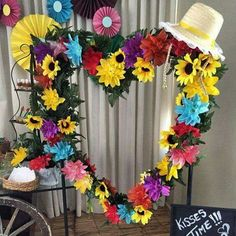 Festa Junina: Ideias para decorar a sua casa - Fazer em Casa Mexican Party Decorations, Balloon Flowers, Photo Booth Frame, Its My Bday, Diy Art, Party Time, Party Supplies, Diy And Crafts, Balloons