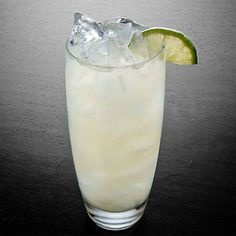 The Moscow Mule is a refreshing Vodka cocktail that has the bite of ginger beer. Our recipe is quick, easy and classic. Make one today. Ginger Cocktails, Refreshing Cocktails, Easy Cocktails, Classic Cocktails, Cocktail Recipes, Simple Vodka Cocktails, Green Cocktails, Vodka Recipes, Beer Recipes