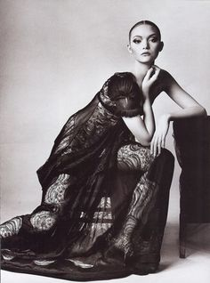 Gemma Ward wearing Balenciaga for Vogue US March 2006