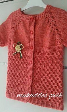 Hızlı ve Kolay Resim Paylaşımı - resim yükle - resim paylaş - Hızlı Resim Knitting Stiches, Baby Knitting, Baby Vest, Knitted Shawls, Kids Wear, Knitting Projects, Knit Cardigan, Knit Crochet, Knitting Patterns