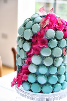 the gorgeous macaron bird cage tower by Bobo macarons