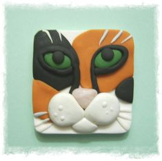 cat face pin from sculpey not a tute   Inspiration