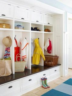 Image on The Owner-Builder Network  http://theownerbuildernetwork.co/wp-content/uploads/2015/10/Mudroom-Organization-Ideas-21.jpg