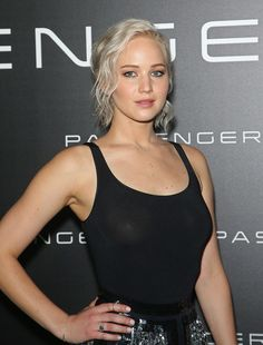 How Jennifer Lawrence, Cara Delevingne, and More Put a Fresh Spin on Spring's Best Makeup Trend Jennifer Connelly, Jennifer Lawrence Fotos, Lawrence Photos, Beautiful Celebrities, Most Beautiful Women, Beautiful Actresses, Jennifer Laurence, Actrices Hollywood, American Actress