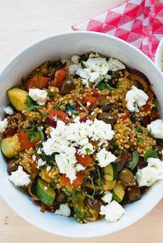 Spinaziesalade met geitenkaas, quinoa en gebakken shiitakes - HLN.be