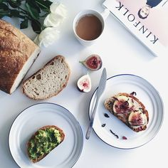 Happy Friday! This morning for breakfast we enjoyed fresh sourdough toast topped with avocado smash and fresh figs, tahini, rice malt syrup + dried hibiscus