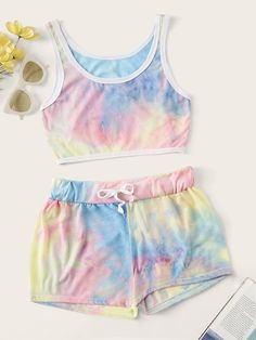 Most current Absolutely Free Tie Dye Crop Top With Drawstring Shorts Ideas Because of this easy container top dress, I decided to utilize a dark color, a dime shade, and a bo Tie Dye Crop Top, Crop Top And Shorts, Crop Top Outfits, Crop Tops, Mini Shorts, Summer Shorts, Tank Tops, Tie Dye Tops, Tie Dye Shorts