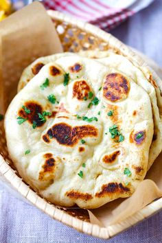Naan bread recipe with all purpose flour, yogurt and yeast. Pan Indio, Recipes With Naan Bread, Naan Bread Recipe Easy, Indian Naan Bread Recipe, Recipe Of Naan, Dairy Free Naan Bread, Nann Bread Recipe, Homemade Naan Bread, Sandwich Recipes