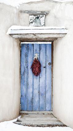 Chili Ristra, Santa Fe, New Mexico New Mexico Style, New Mexico Homes, New Mexico Usa, Cool Doors, Unique Doors, Santa Fe Style, Southwest Style, Painted Doors, Door Knockers