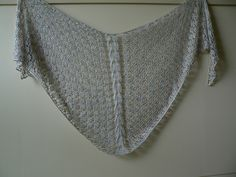 Ravelry: silverfox's Another blingy Artyarns shawl!