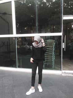 Casual Hijab Outfit, Ootd Hijab, Hijab Chic, Hijab Style Tutorial, Gaya Hijab, Hijab Fashion Inspiration, Muslim Fashion, Korean Fashion, Girls Time
