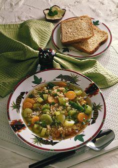 Unser beliebtes Rezept für Gerstensuppe mit Gemüse und mehr als 55.000 weitere kostenlose Rezepte auf LECKER.de.