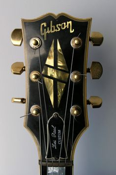 Vintage Gibson Les Paul Custom headstock with Grover tuners and brass nut Guitar Pics, Guitar Art, Guitar Chords, Music Guitar, Cool Guitar, Acoustic Guitars, Ukulele, Gibson Les Paul, Gibson Lp