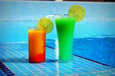 De délicieux cocktails exotiques, un soleil radieux et une brise légère. Cela vous donne aussi envie de venir?