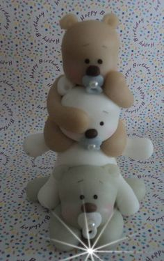 ursos para seus tres anjinhos!! pode ser usado como lembrancinha ou enfeite. peça com 120 g e 9 cm. as cores podem ser escolhidas! minimo de 10 peças!! R$ 12,50