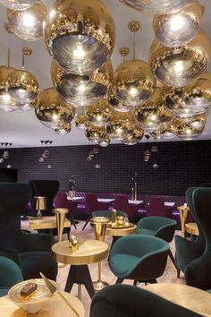 British designer Tom Dixon has opened a cafe in London's famous department store, Harrods. Tom Dixon Sandwich pays homage to the snack that names the … Design Hotel, Restaurant Design, Café Design, Deco Restaurant, Bar Interior Design, Luxury Restaurant, Modern Restaurant, Cafe Interior, Restaurant Lighting