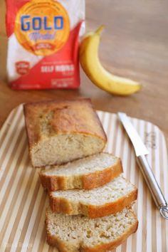 Banana Bread with self rising flour recipe bread cake healthy muffins pudding recipes chocolat plantain recette recette Banana Bread Recipe Self Rising Flour, Easy Banana Bread, Flours Banana Bread, Homemade Banana Bread, Banana Nut Muffins, Banana Bread Recipes, Flour Recipes, Homemade Breads, Betty Crocker Banana Bread