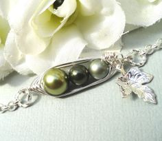 Three Peas In A Pod Personalized Bracelet Choose by Kikiburrabeads, $18.50